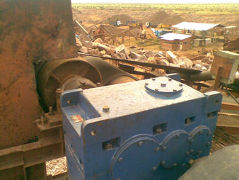 Agnee Helical Gearbox in Stone Crusher